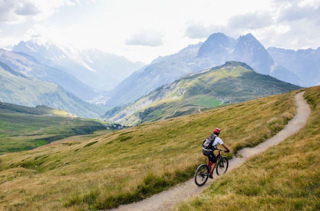 Electric Mountain Bike in Col de Balme